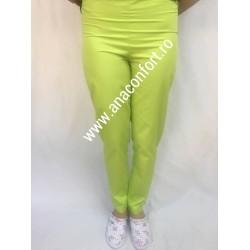 Pantaloni pe elastic